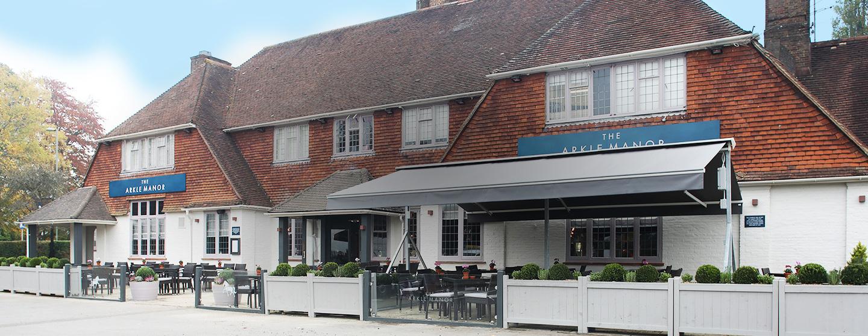 The Arkle Manor Pub Restaurant In Betchworth Surrey